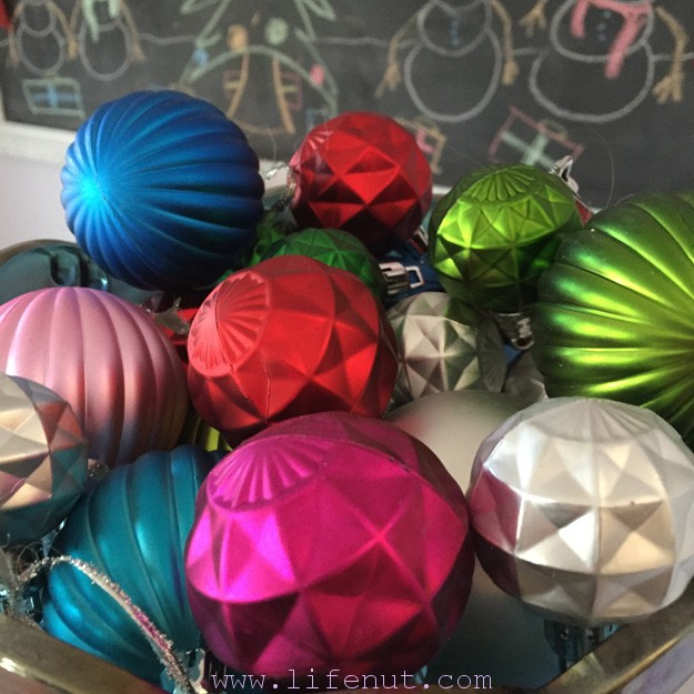 Bowl o' ornaments
